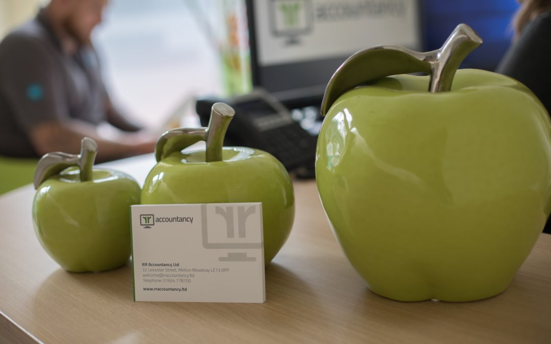 Apples & Business Card RRA Accountancy